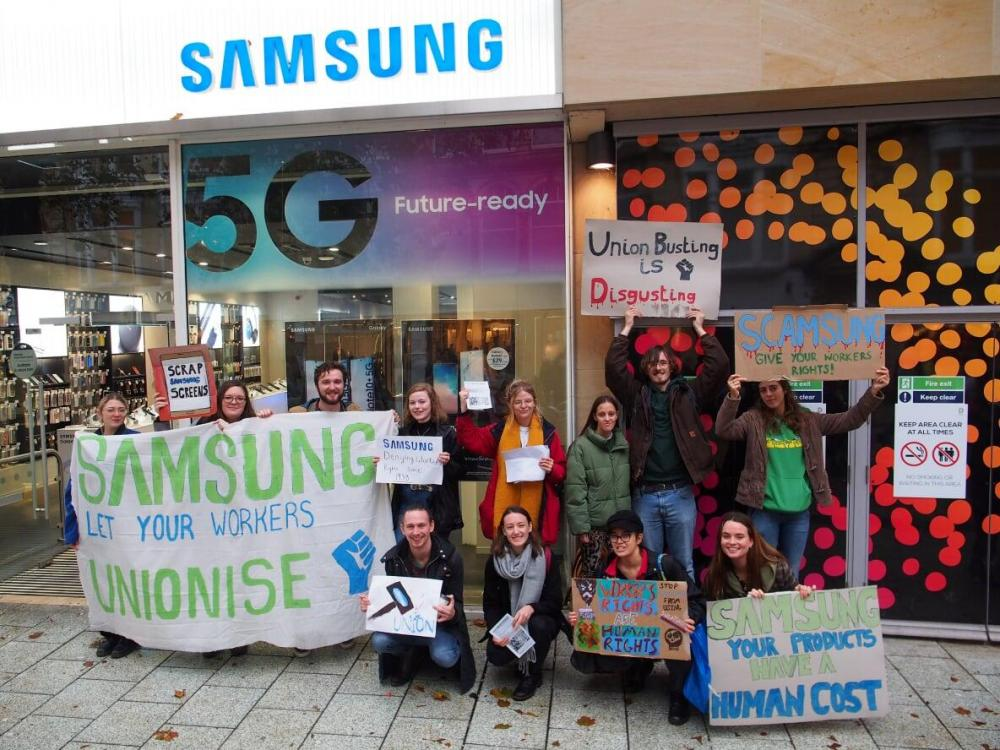 Image of students protesting outside Samsung in Cardiff