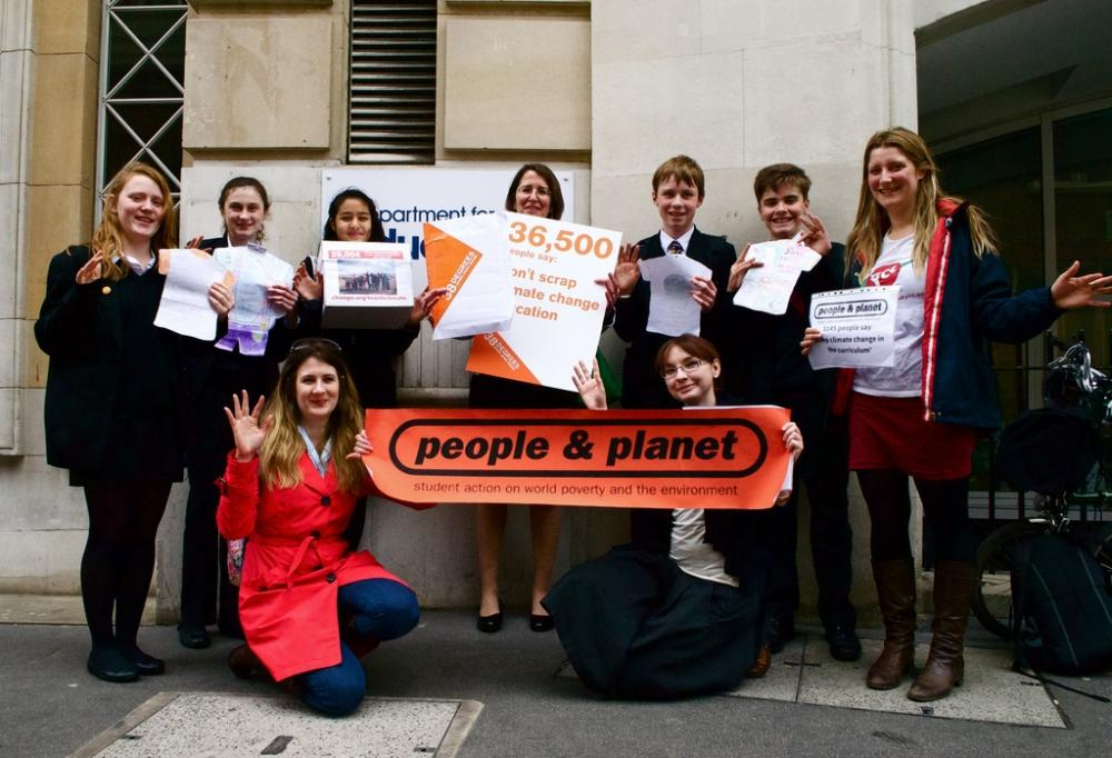 People & Planet students hand in petition to Government